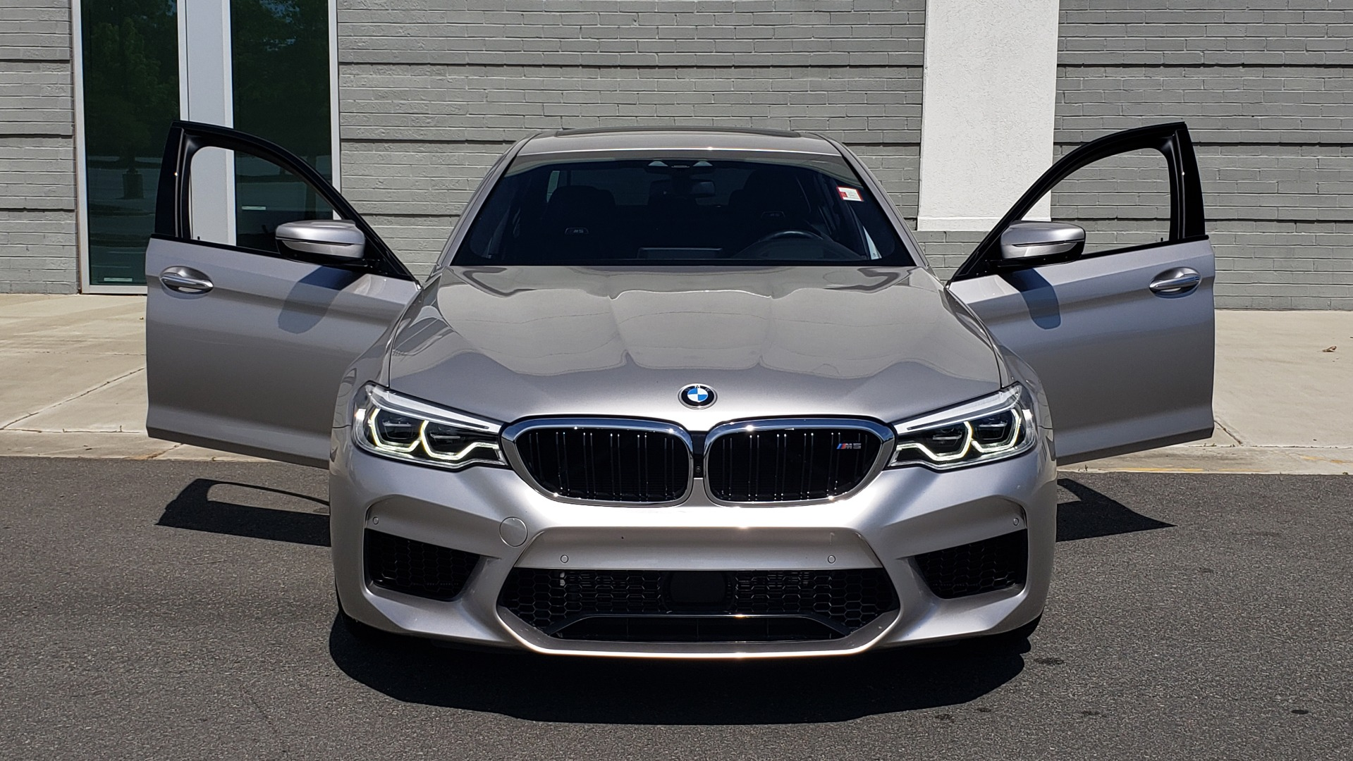 Used 2018 BMW M5 SEDAN / EXEC PKG / DRVR ASST PLUS / MOONROOF / B&W SND for sale $81,495 at Formula Imports in Charlotte NC 28227 18
