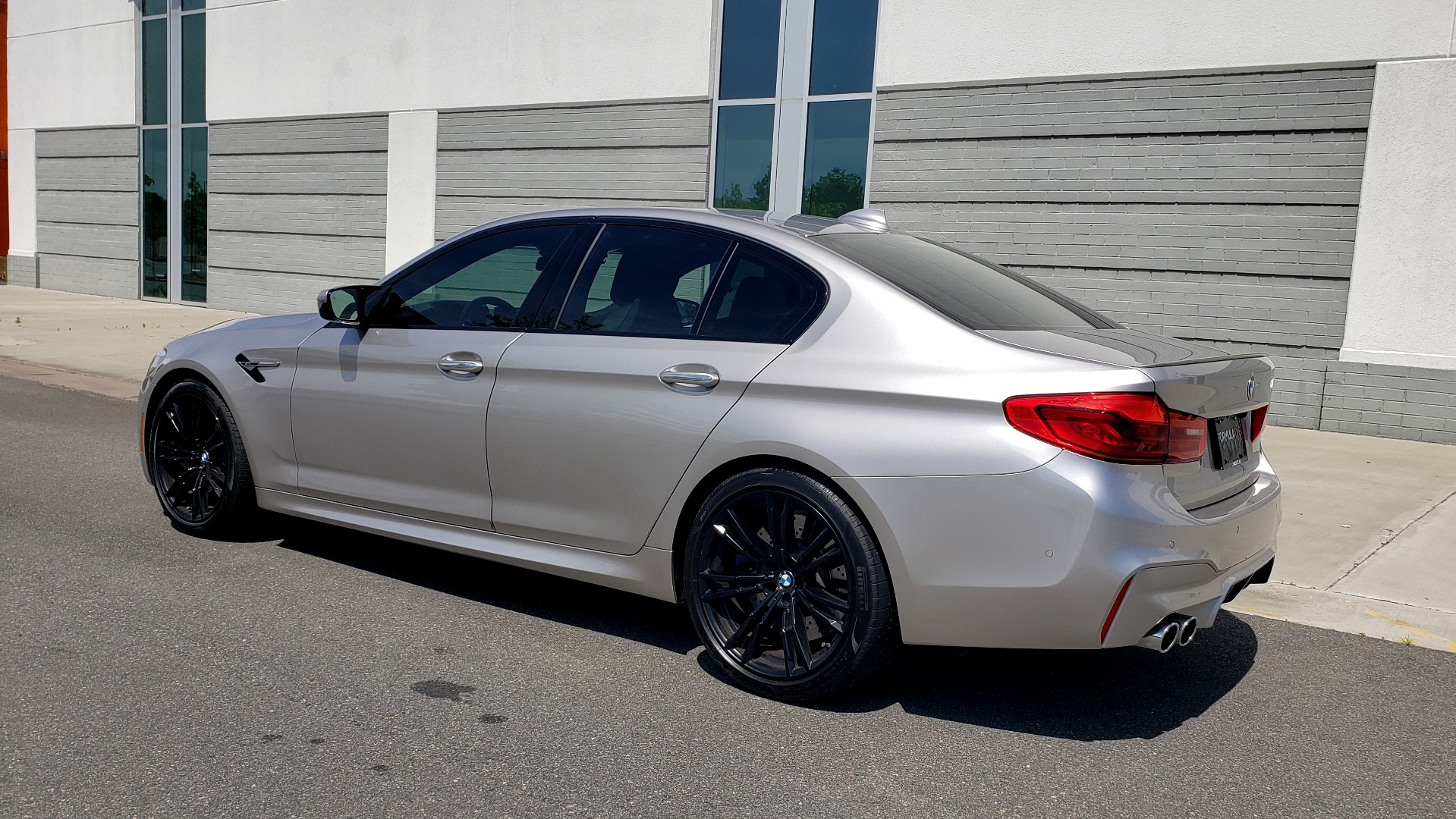Used 2018 BMW M5 SEDAN / EXEC PKG / DRVR ASST PLUS / MOONROOF / B&W SND for sale $81,495 at Formula Imports in Charlotte NC 28227 6