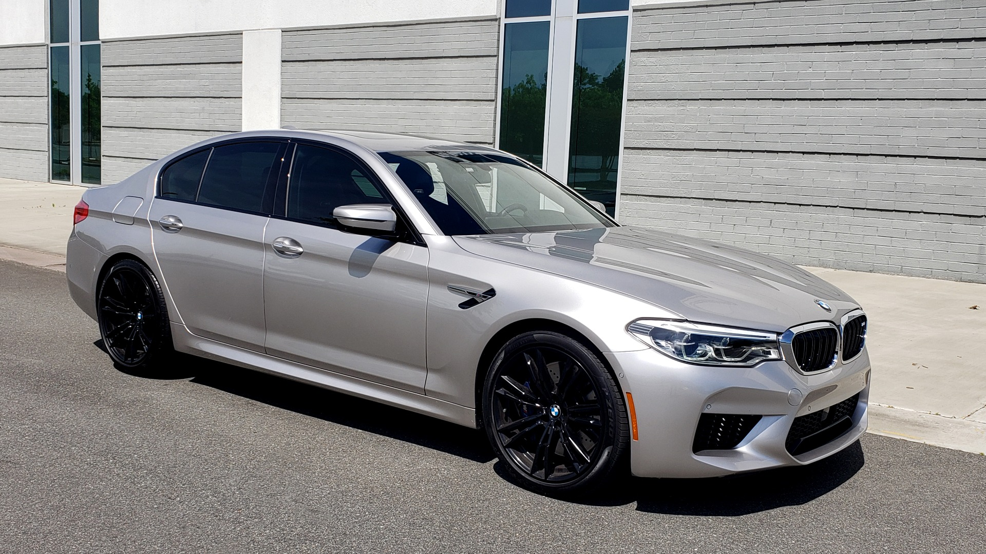 Used 2018 BMW M5 SEDAN / EXEC PKG / DRVR ASST PLUS / MOONROOF / B&W SND for sale $81,495 at Formula Imports in Charlotte NC 28227 7
