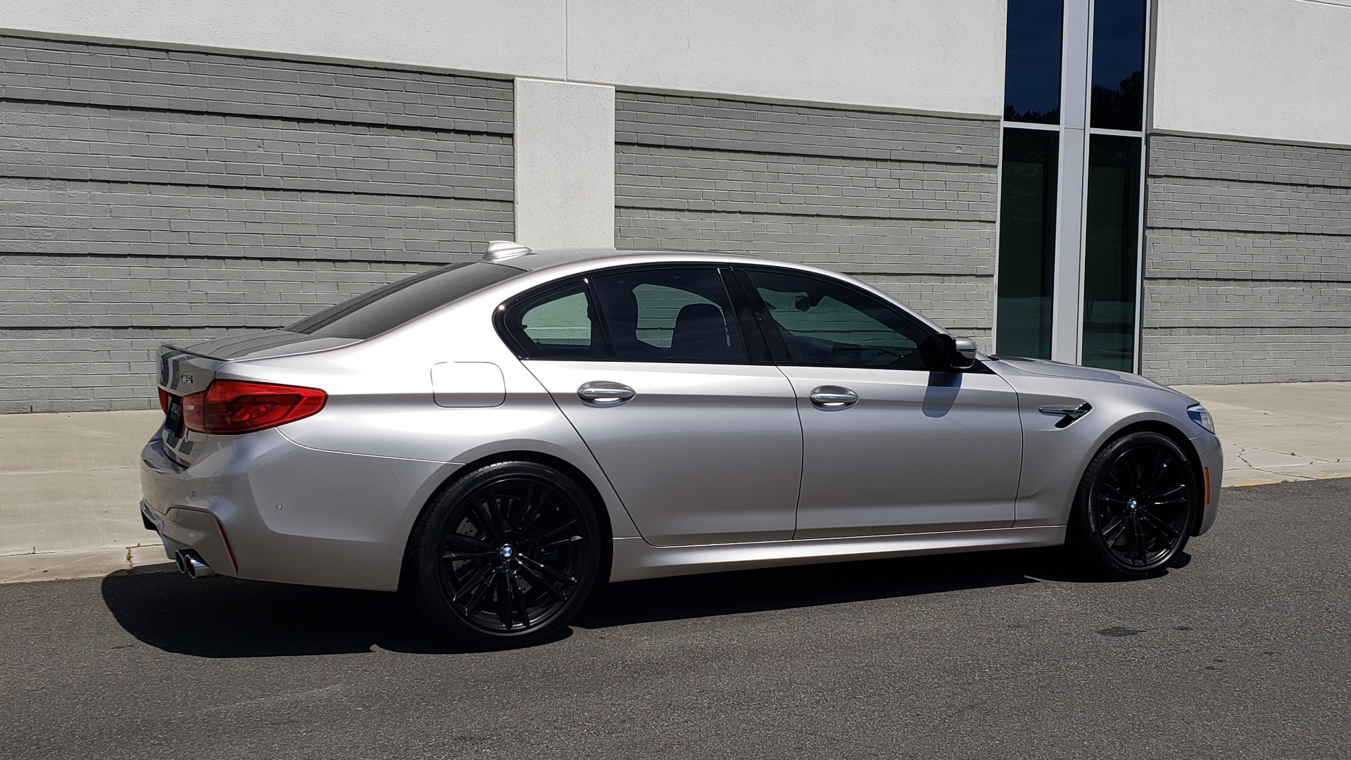 Used 2018 BMW M5 SEDAN / EXEC PKG / DRVR ASST PLUS / MOONROOF / B&W SND for sale $81,495 at Formula Imports in Charlotte NC 28227 9