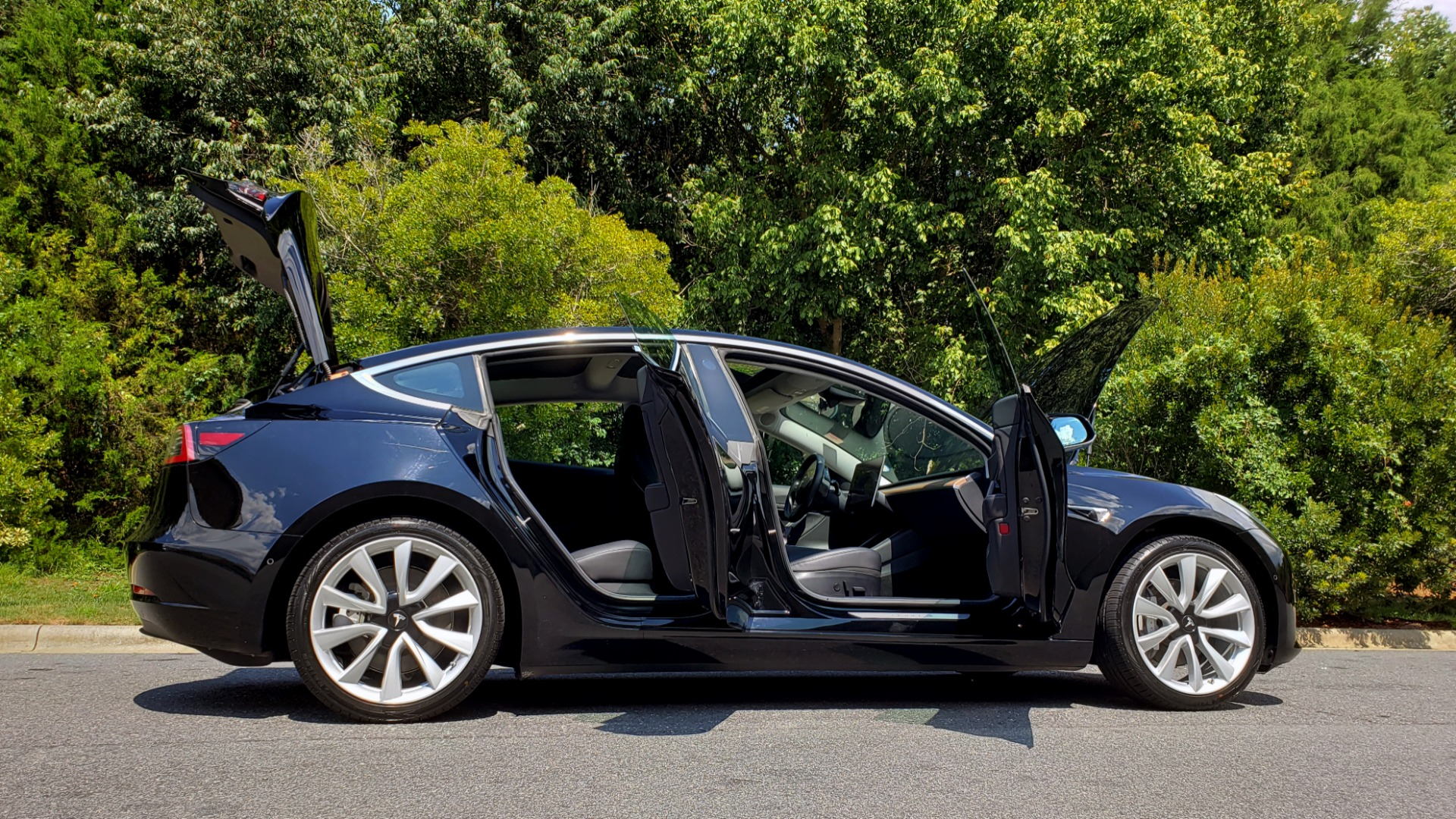 Used 2018 Tesla MODEL 3 LONG RANGE BATTERY / NAV / GLASS ROOF / REARVIEW for sale Sold at Formula Imports in Charlotte NC 28227 10