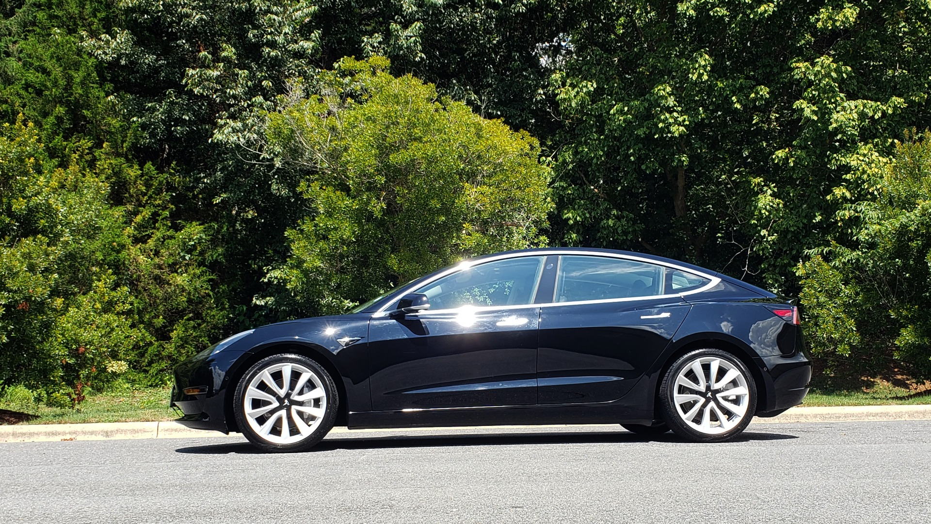 Used 2018 Tesla MODEL 3 LONG RANGE BATTERY / NAV / GLASS ROOF / REARVIEW for sale Sold at Formula Imports in Charlotte NC 28227 2