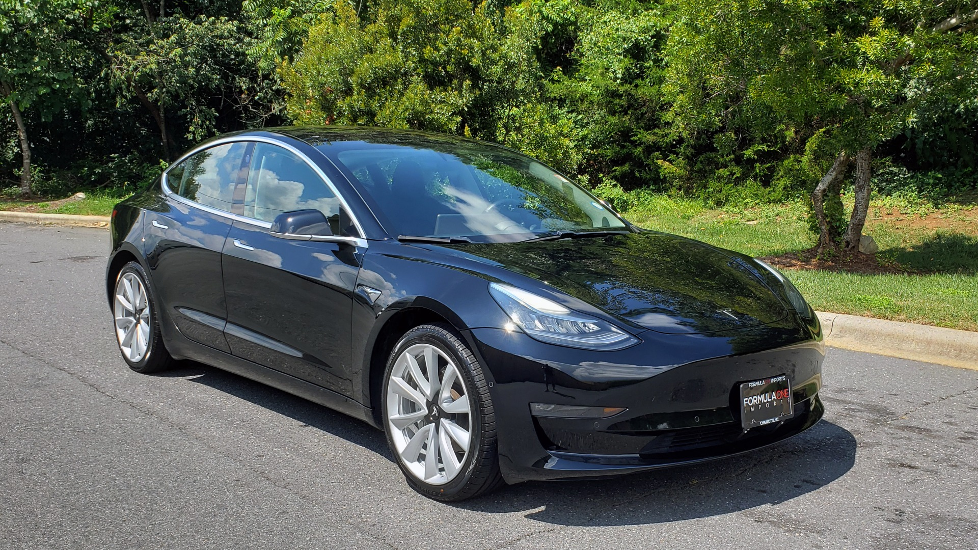 Used 2018 Tesla MODEL 3 LONG RANGE BATTERY / NAV / GLASS ROOF / REARVIEW for sale Sold at Formula Imports in Charlotte NC 28227 4