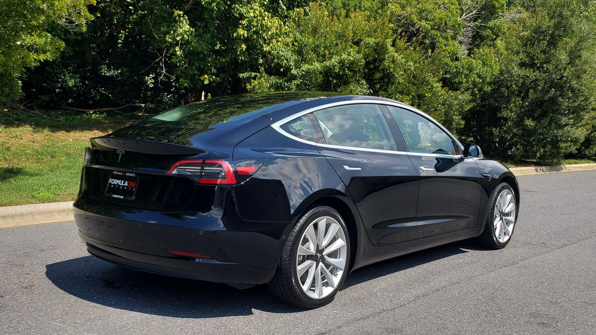 Used 2018 Tesla MODEL 3 LONG RANGE BATTERY / NAV / GLASS ROOF / REARVIEW for sale Sold at Formula Imports in Charlotte NC 28227 5