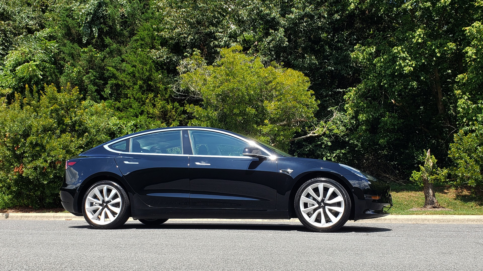 Used 2018 Tesla MODEL 3 LONG RANGE BATTERY / NAV / GLASS ROOF / REARVIEW for sale Sold at Formula Imports in Charlotte NC 28227 6