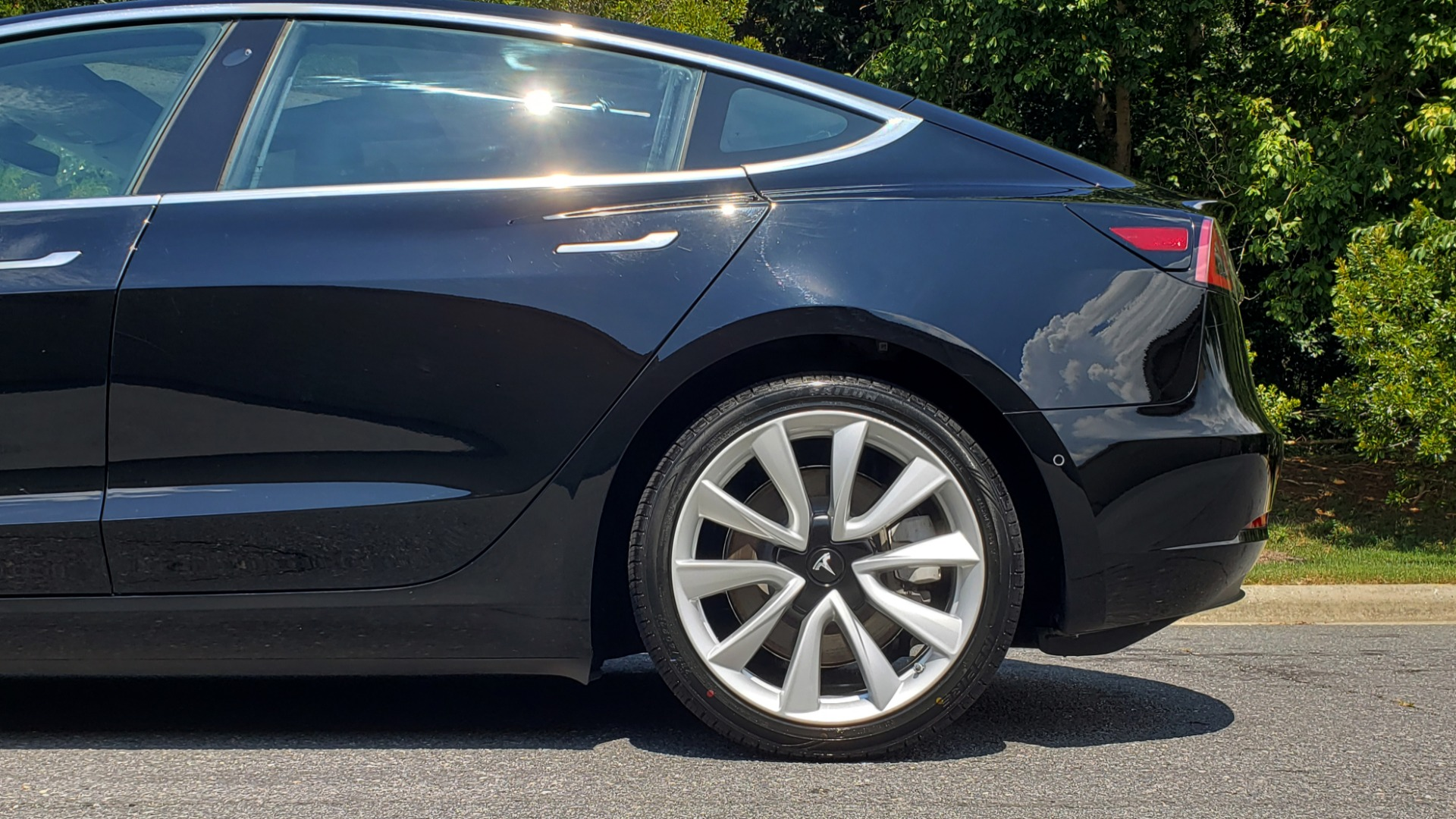 Used 2018 Tesla MODEL 3 LONG RANGE BATTERY / NAV / GLASS ROOF / REARVIEW for sale Sold at Formula Imports in Charlotte NC 28227 71