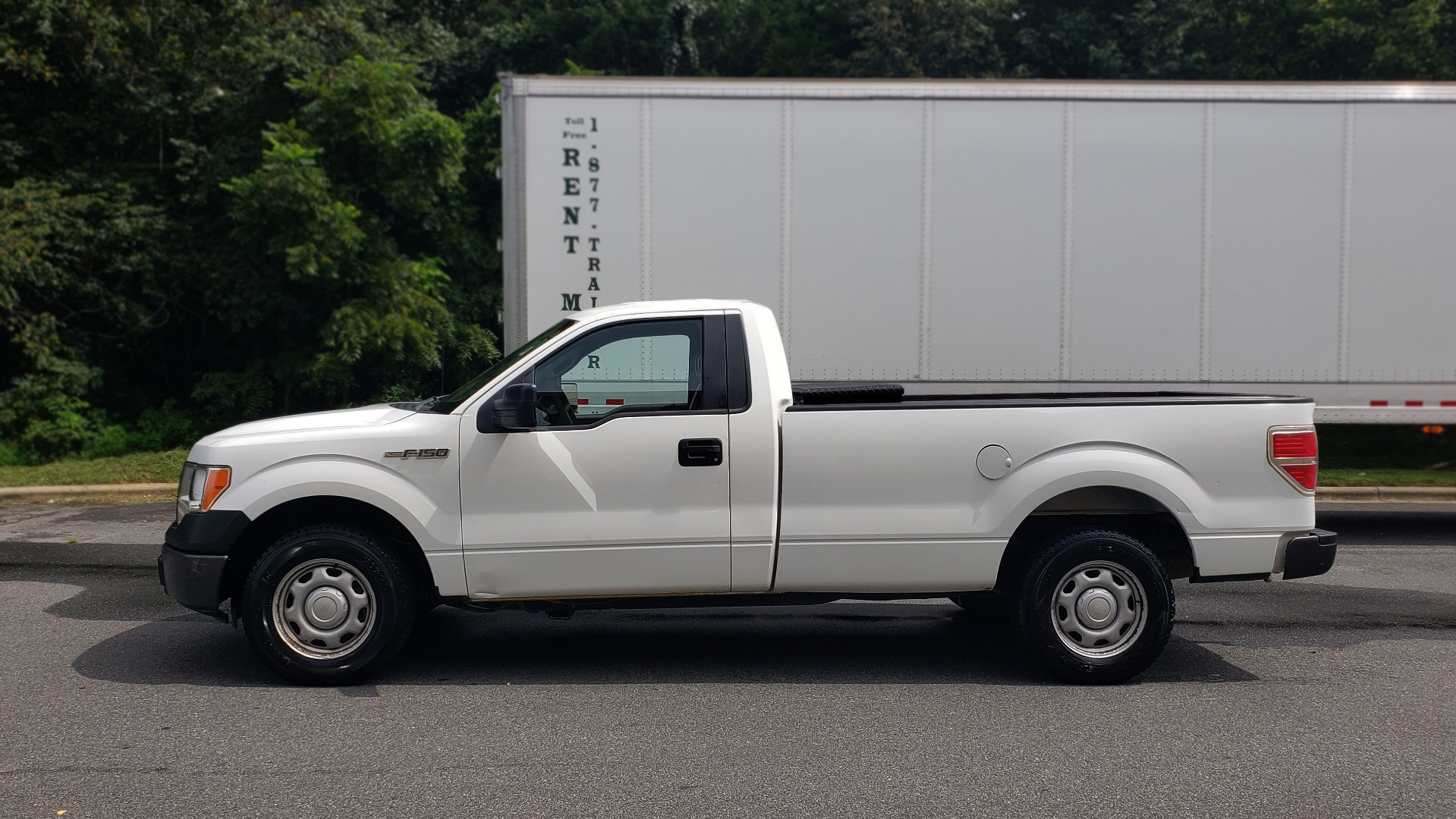 Used 2013 Ford F-150 XL / 2WD / 145 WB / 3.7L V6 / 6-SPD AUTO / TOW PKG for sale Sold at Formula Imports in Charlotte NC 28227 2