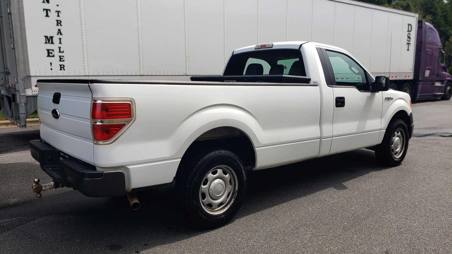 Used 2013 Ford F-150 XL / 2WD / 145 WB / 3.7L V6 / 6-SPD AUTO / TOW PKG for sale Sold at Formula Imports in Charlotte NC 28227 4