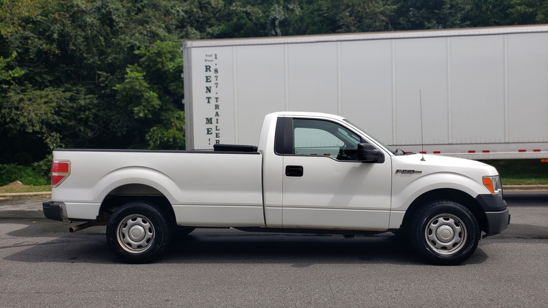 Used 2013 Ford F-150 XL / 2WD / 145 WB / 3.7L V6 / 6-SPD AUTO / TOW PKG for sale Sold at Formula Imports in Charlotte NC 28227 5