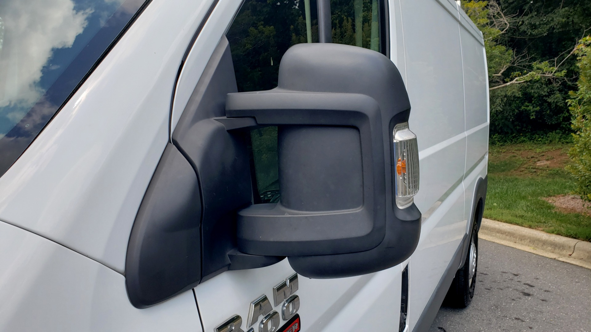 Used 2015 Ram PROMASTER CARGO VAN 1500 / LOW ROOF / 136IN WB / ROOF RACK / 1-OWNER for sale Sold at Formula Imports in Charlotte NC 28227 16