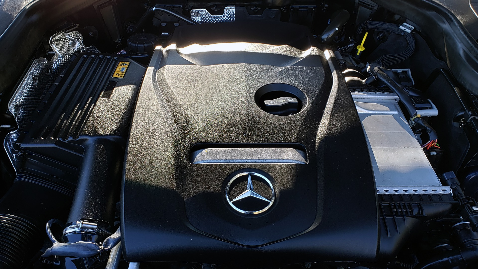 Used 2017 Mercedes-Benz GLC 300 4MATIC / PREM / NAV / KEYLESS-GO / SUNROOF / REARVIEW for sale Sold at Formula Imports in Charlotte NC 28227 17