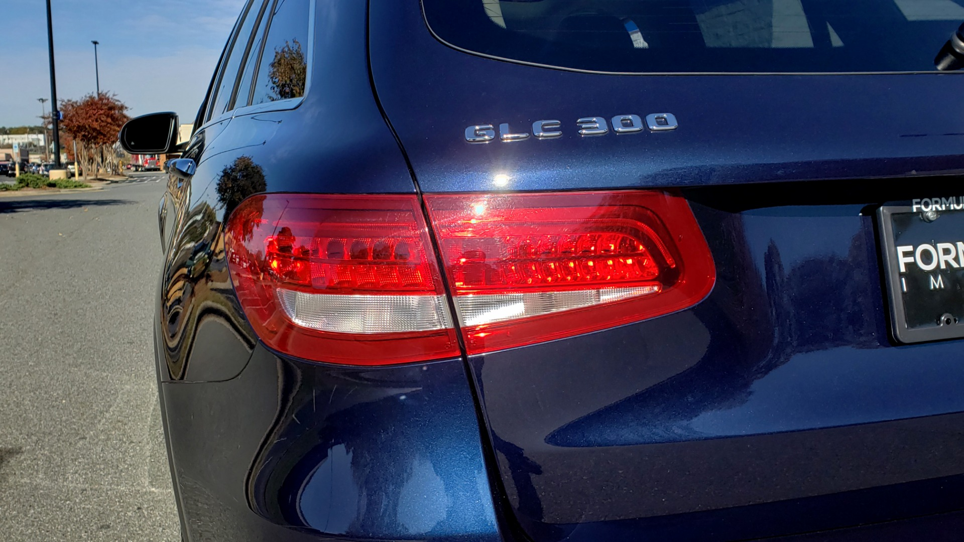Used 2017 Mercedes-Benz GLC 300 4MATIC / PREM / NAV / KEYLESS-GO / SUNROOF / REARVIEW for sale Sold at Formula Imports in Charlotte NC 28227 28