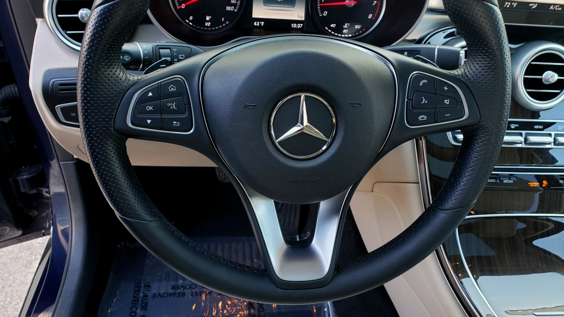 Used 2017 Mercedes-Benz GLC 300 4MATIC / PREM / NAV / KEYLESS-GO / SUNROOF / REARVIEW for sale Sold at Formula Imports in Charlotte NC 28227 37