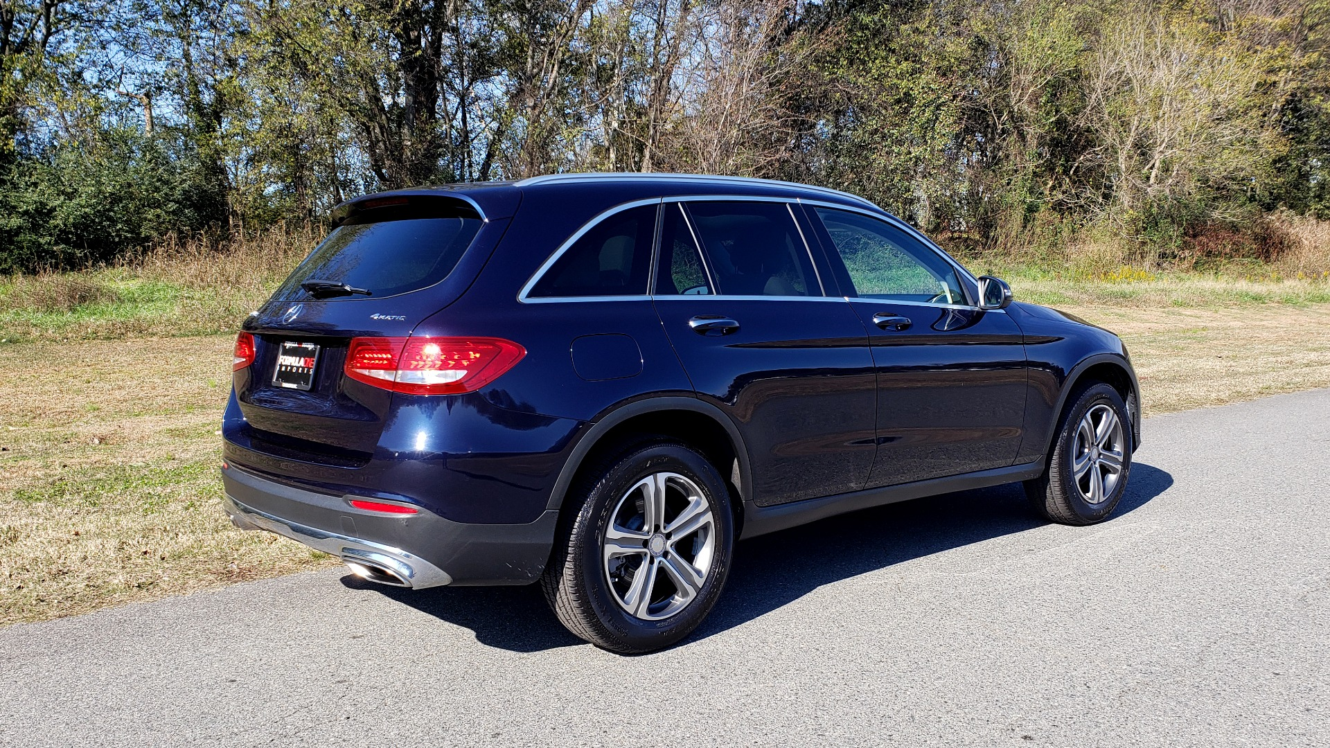 Used 2017 Mercedes-Benz GLC 300 4MATIC / PREM / NAV / KEYLESS-GO / SUNROOF / REARVIEW for sale Sold at Formula Imports in Charlotte NC 28227 6