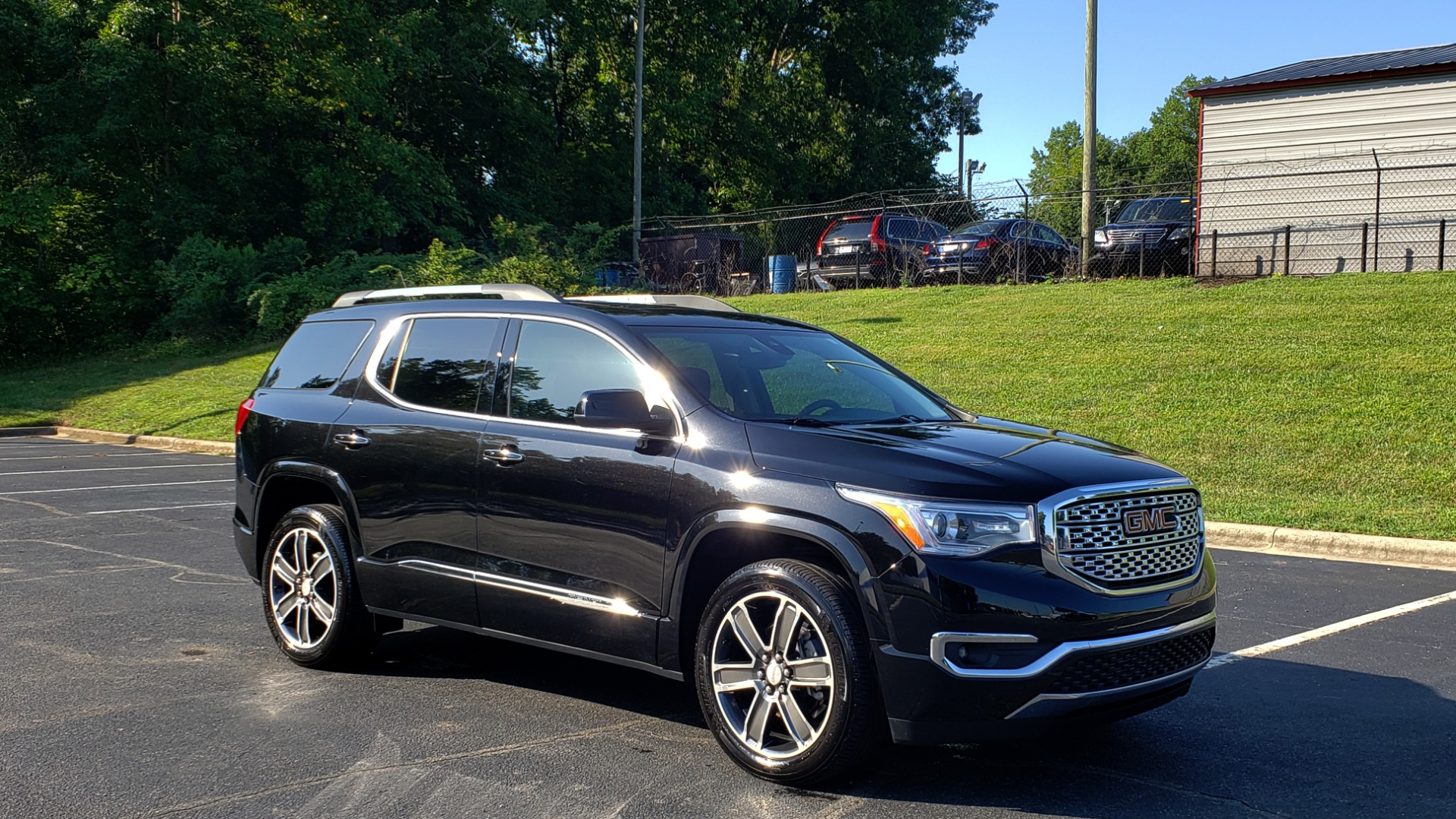 Used 2017 GMC ACADIA DENALI / FWD / NAV / SUNROOF / CAMERA / 3-ROW for sale Sold at Formula Imports in Charlotte NC 28227 10