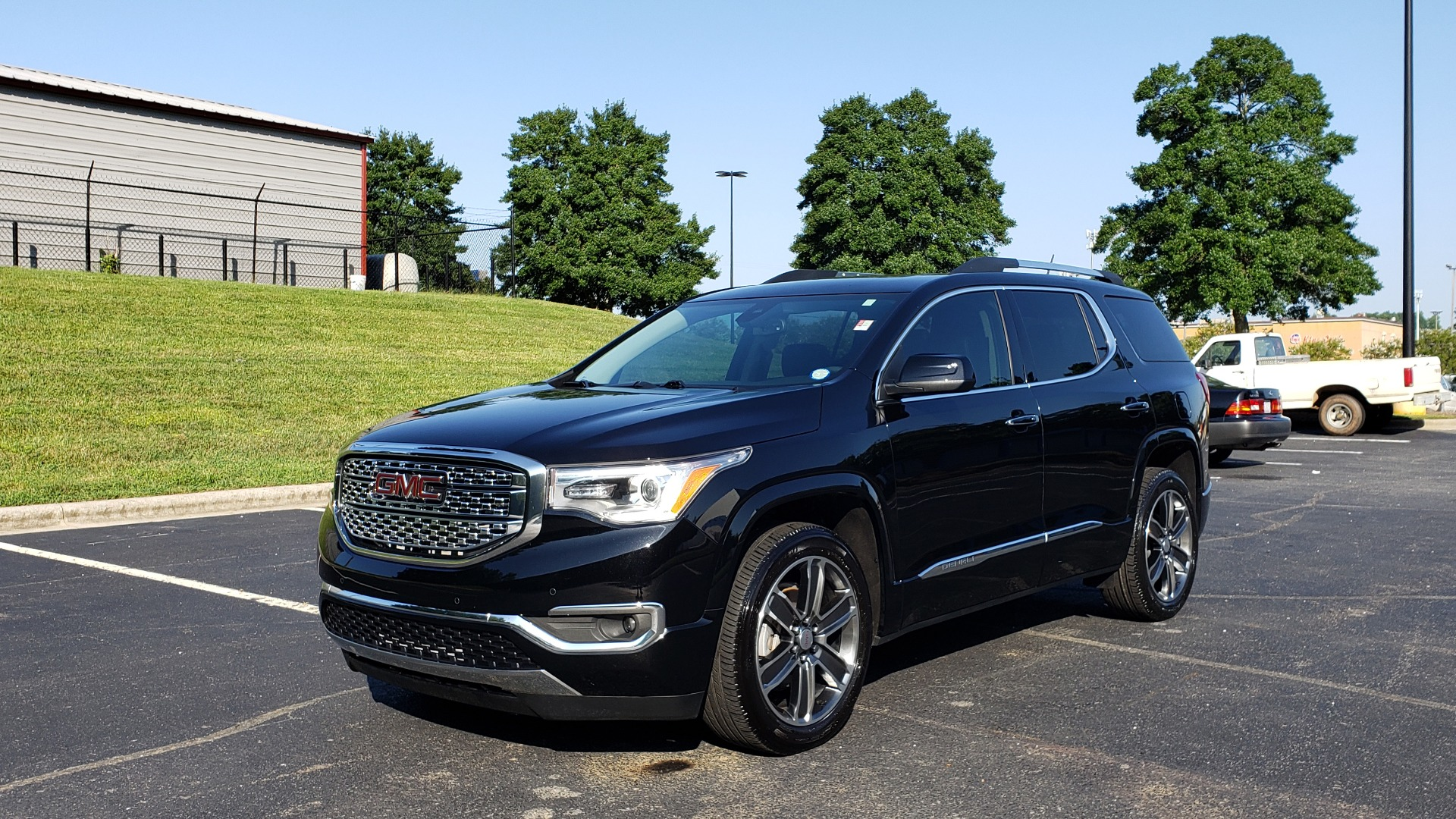 Used 2017 GMC ACADIA DENALI / FWD / NAV / SUNROOF / CAMERA / 3-ROW for sale Sold at Formula Imports in Charlotte NC 28227 1