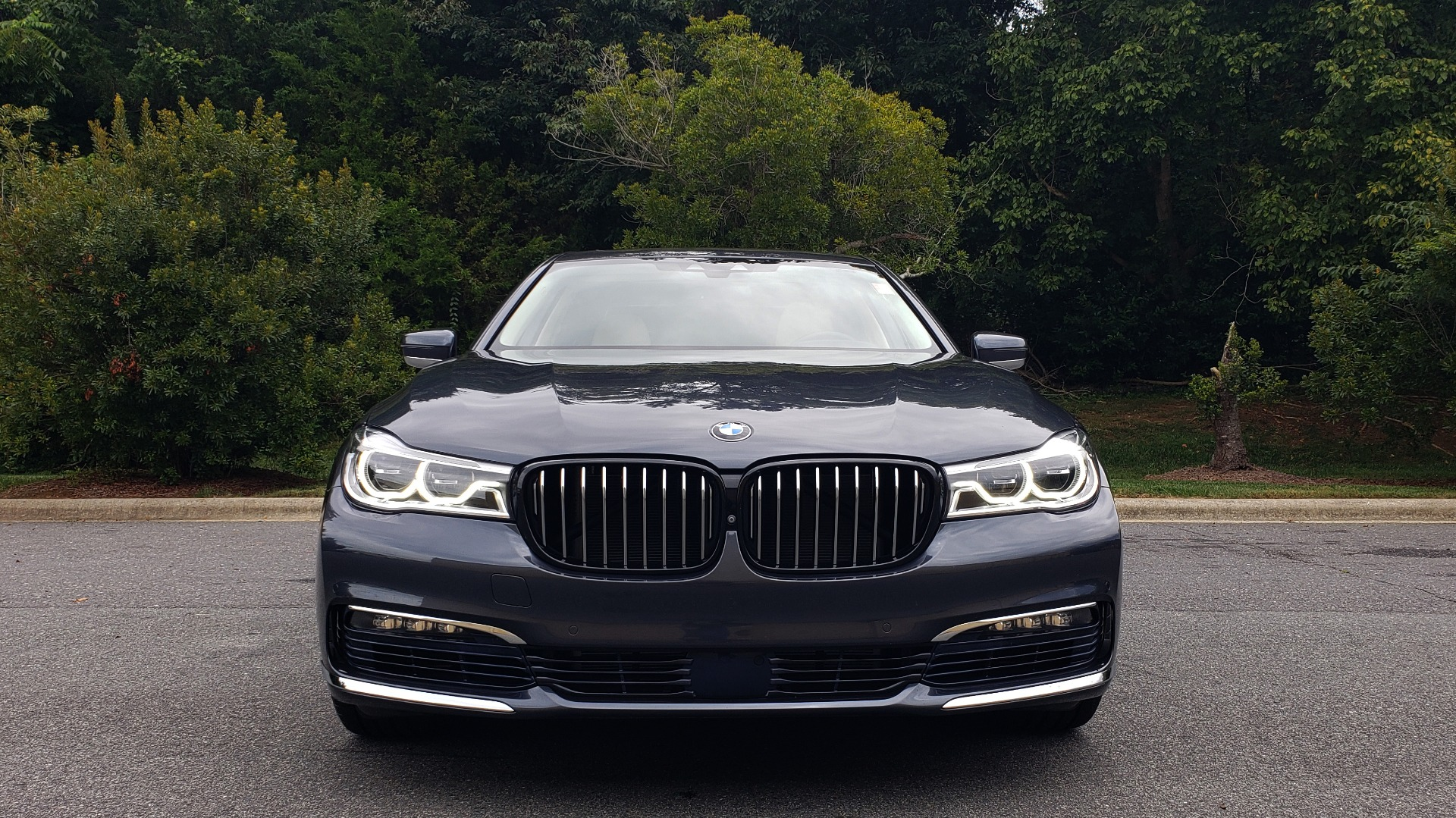 Used 2016 BMW 7 SERIES 750I EXEC PKG / DRVR ASST PLUS / CLD WTHR / SKY LOUNGE ROOF for sale Sold at Formula Imports in Charlotte NC 28227 17