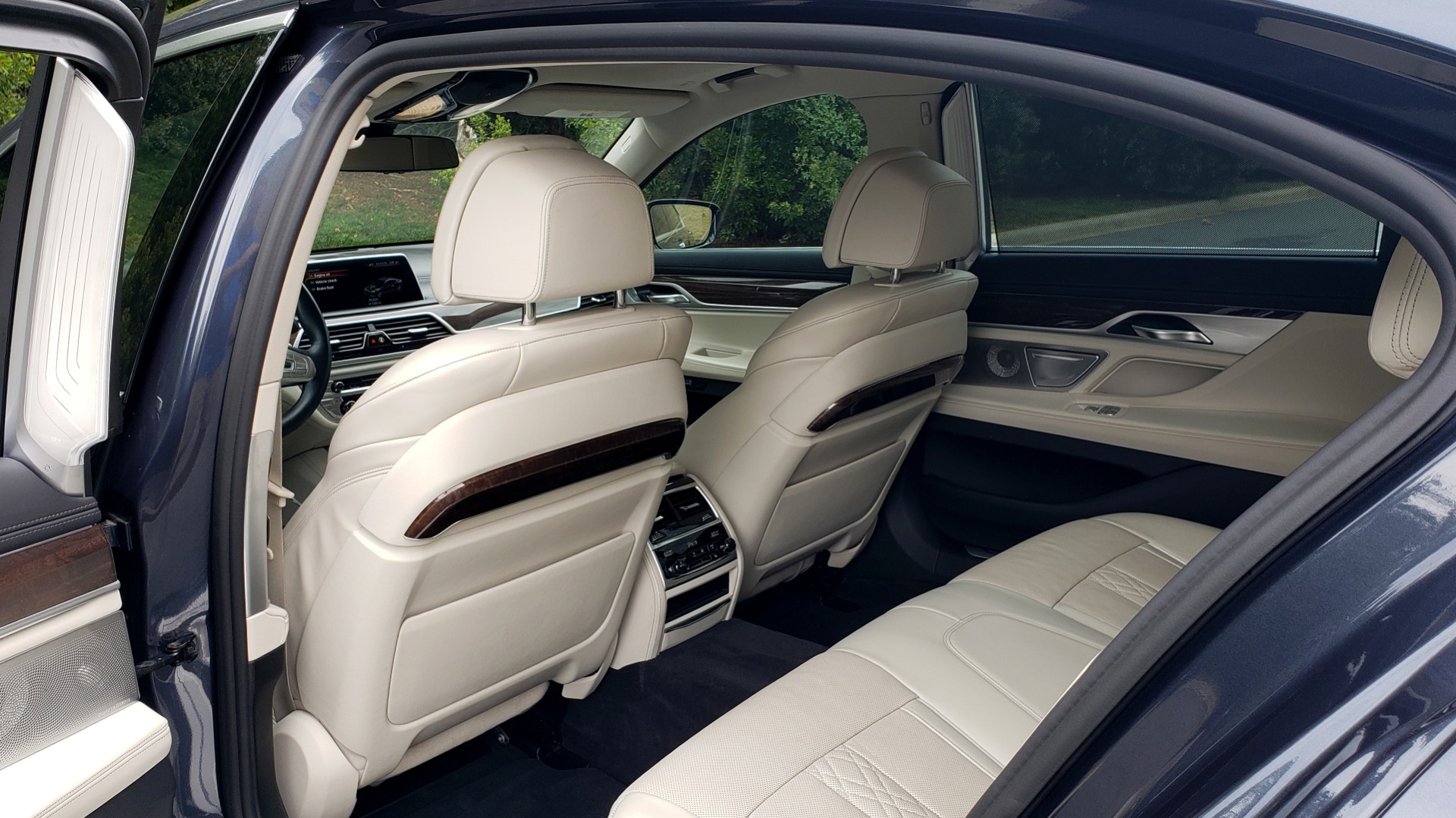 Used 2016 BMW 7 SERIES 750I EXEC PKG / DRVR ASST PLUS / CLD WTHR / SKY LOUNGE ROOF for sale Sold at Formula Imports in Charlotte NC 28227 64