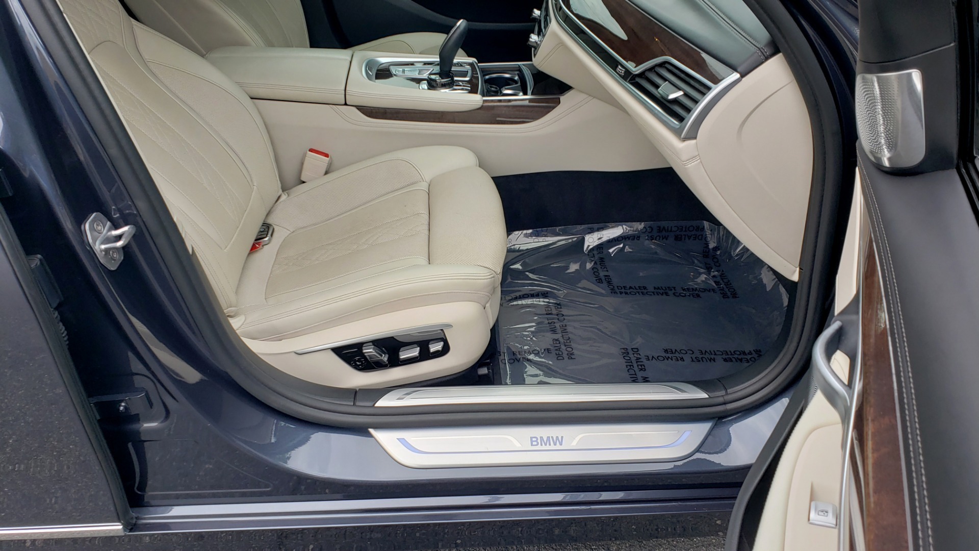 Used 2016 BMW 7 SERIES 750I EXEC PKG / DRVR ASST PLUS / CLD WTHR / SKY LOUNGE ROOF for sale Sold at Formula Imports in Charlotte NC 28227 70
