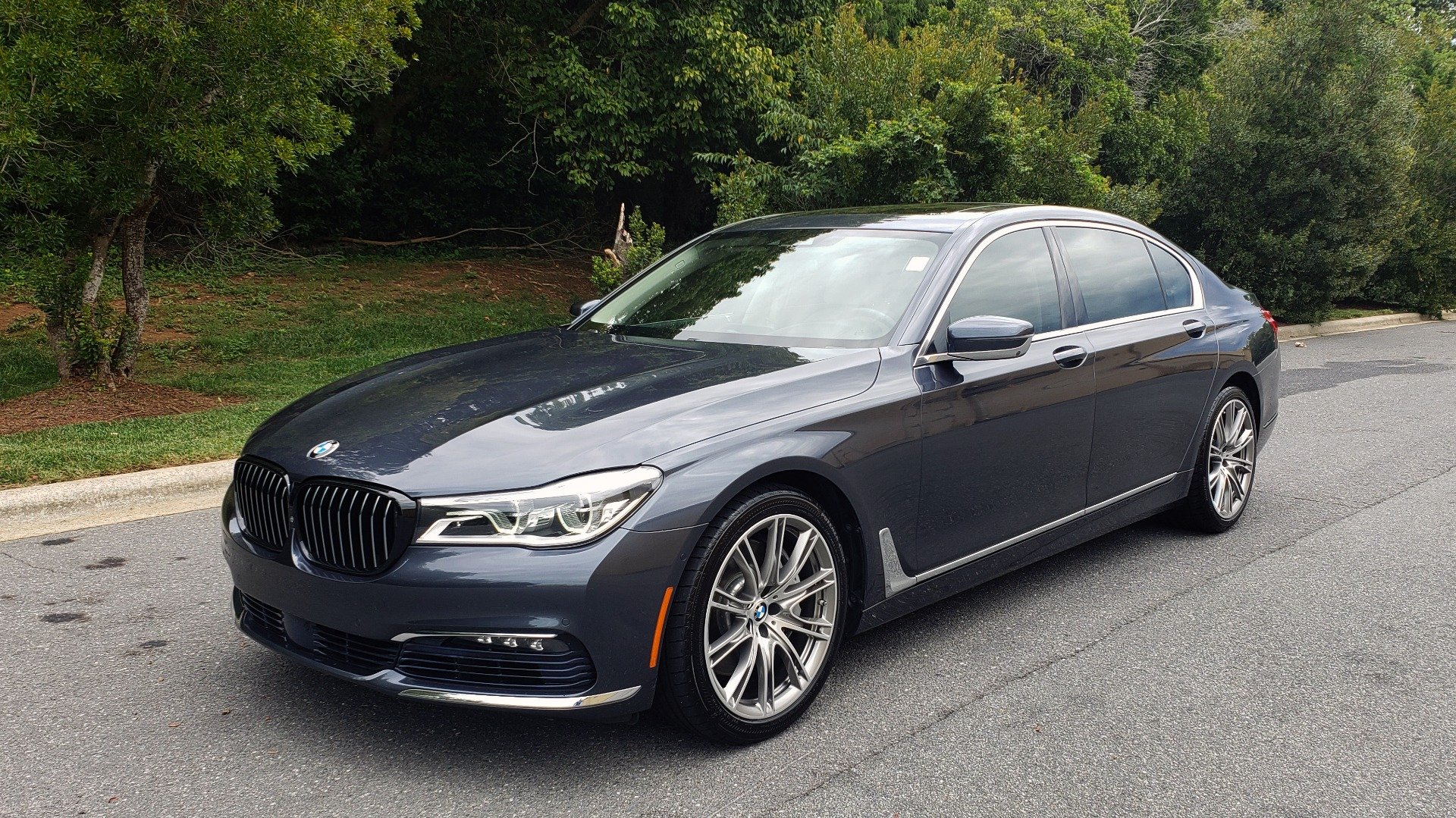 Used 2016 BMW 7 SERIES 750I EXEC PKG / DRVR ASST PLUS / CLD WTHR / SKY LOUNGE ROOF for sale Sold at Formula Imports in Charlotte NC 28227 1