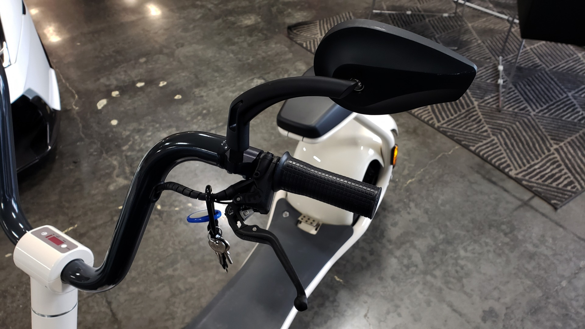 Used 2018 SCROOSER ELECTRIC SCOOTER SELF BALANCED / FOAM WHITE / 15.5 MPH / 34 MI RANGE for sale $1,699 at Formula Imports in Charlotte NC 28227 15