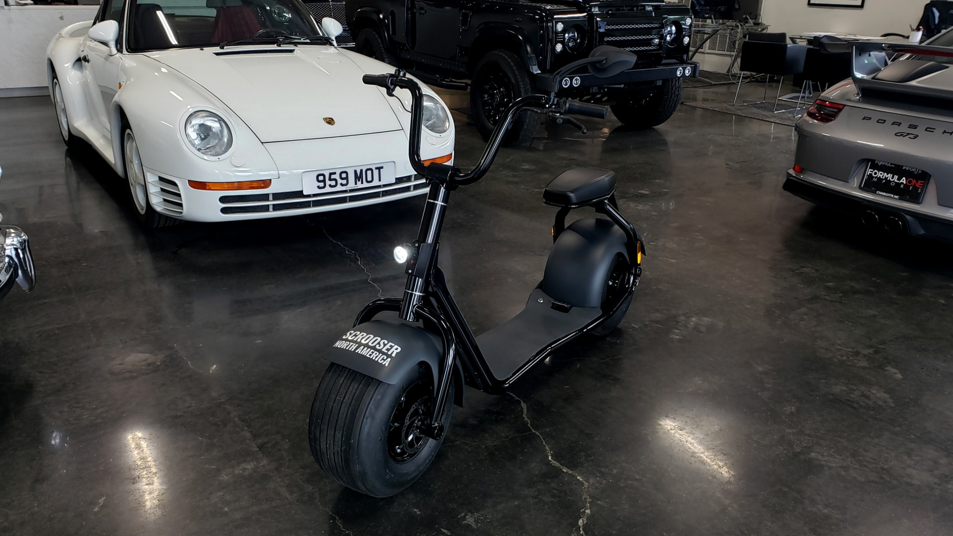 Used 2018 SCROOSER ELECTRIC SCOOTER SELF BALANCED / PITCH BLACK / 15.5 MPH / 34 MI RANGE for sale $1,699 at Formula Imports in Charlotte NC 28227 15