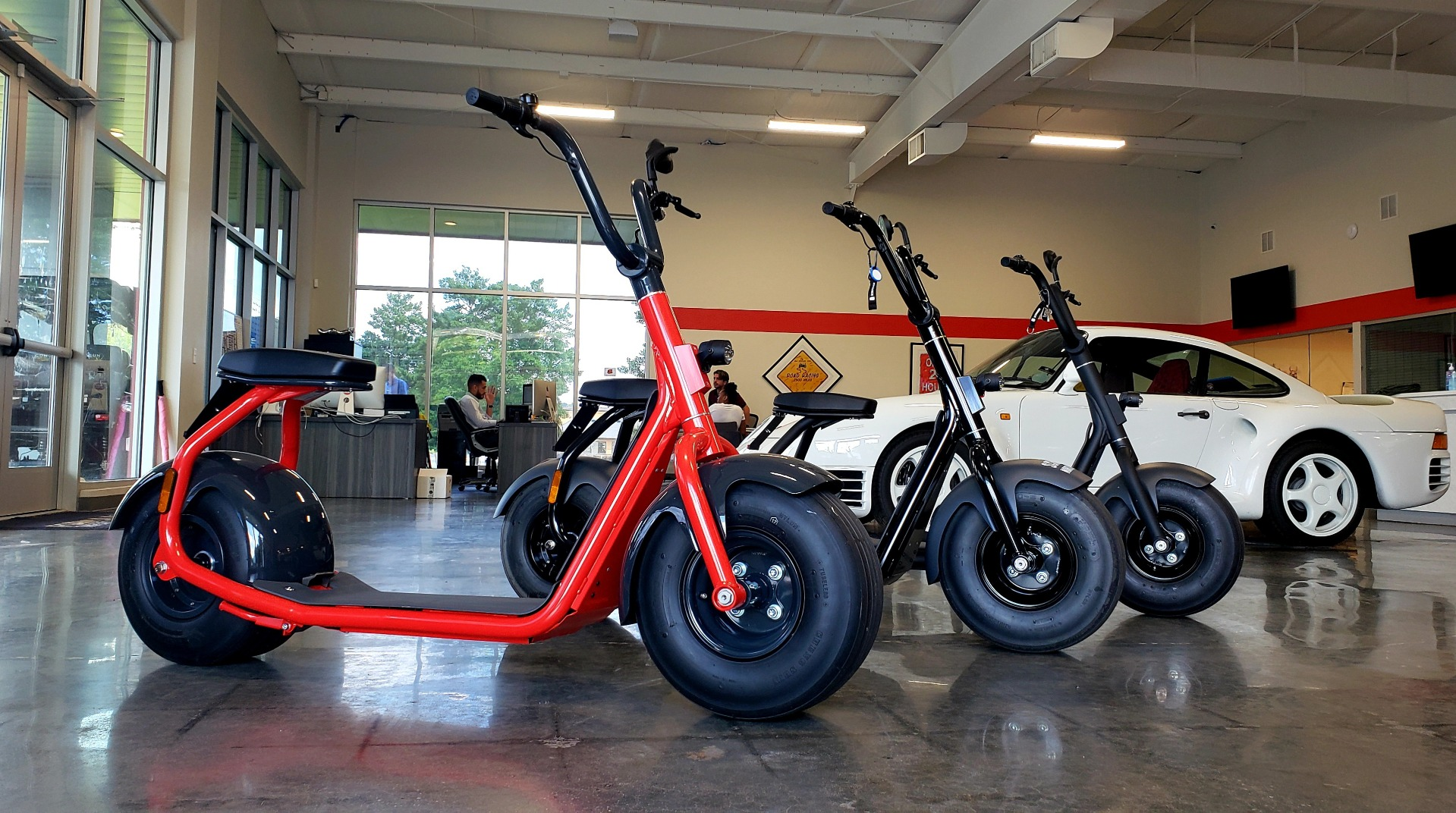 Used 2018 SCROOSER ELECTRIC SCOOTER SELF BALANCED / PITCH BLACK / 15.5 MPH / 34 MI RANGE for sale $1,699 at Formula Imports in Charlotte NC 28227 1
