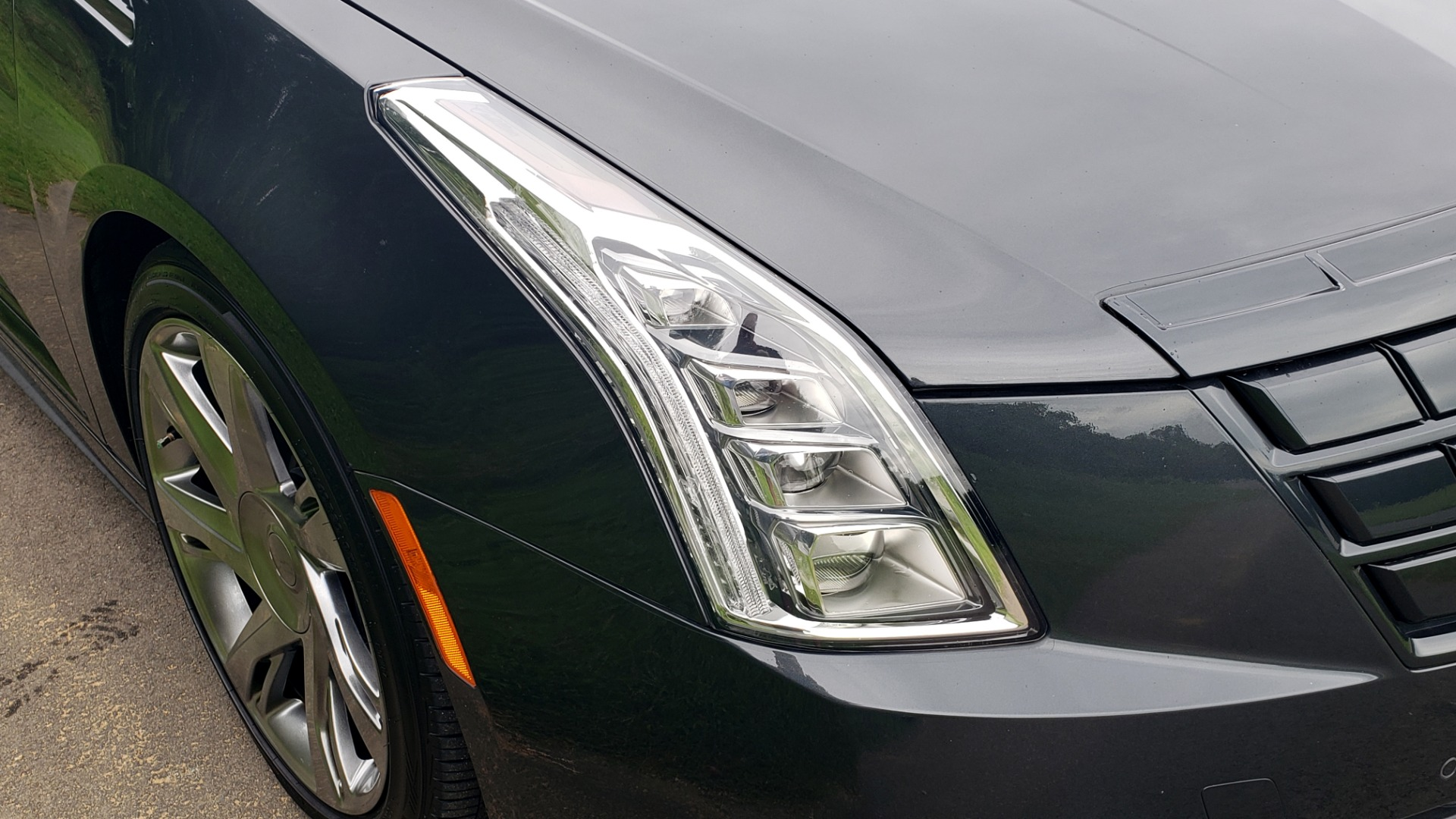 Used 2014 Cadillac ELR 2DR COUPE / HYBRID / NAV / BOSE / HEATED SEATS / REARVIEW for sale $34,000 at Formula Imports in Charlotte NC 28227 12