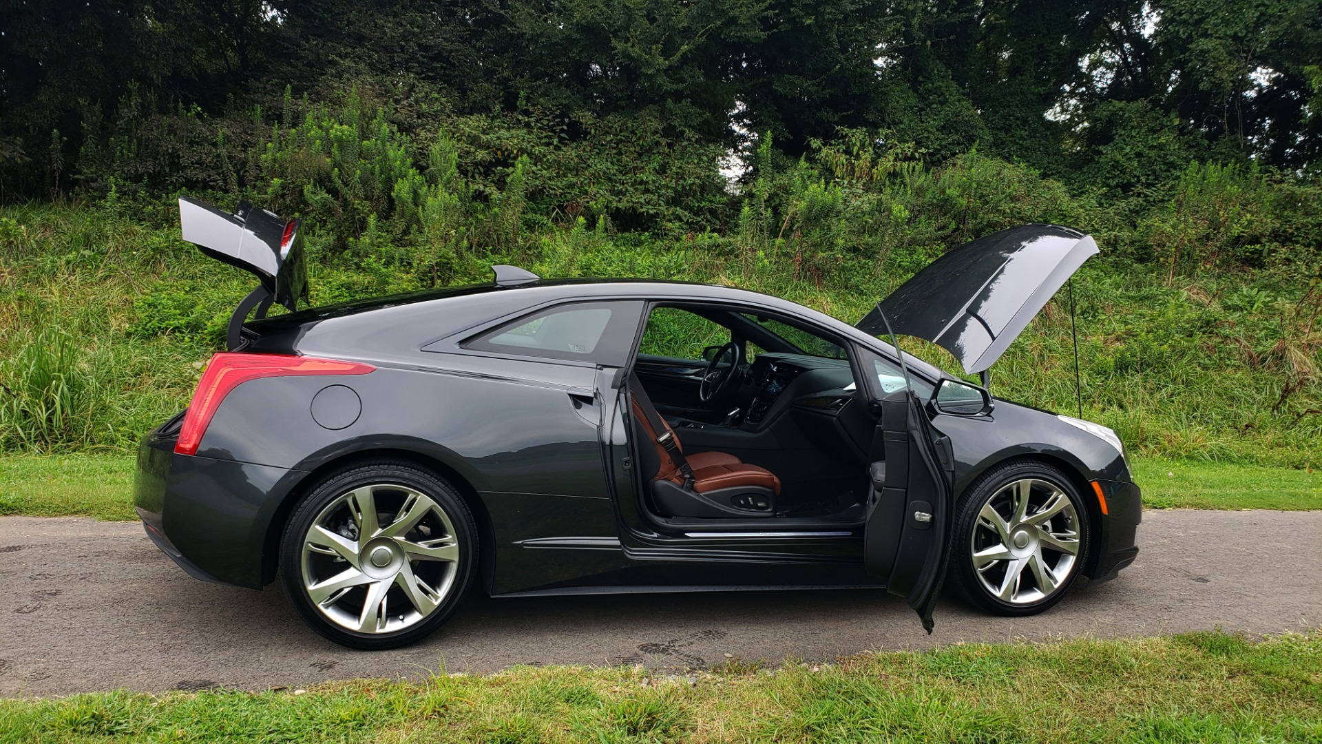 Used 2014 Cadillac ELR 2DR COUPE / HYBRID / NAV / BOSE / HEATED SEATS / REARVIEW for sale $34,000 at Formula Imports in Charlotte NC 28227 18