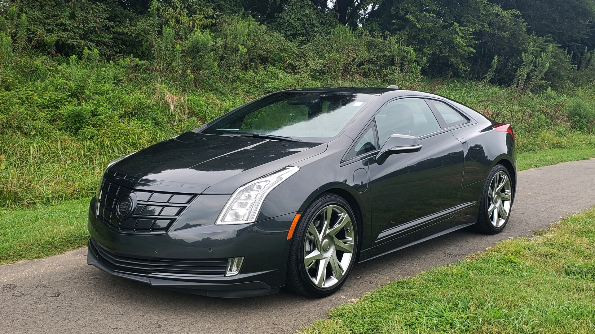 Used 2014 Cadillac ELR 2DR COUPE / HYBRID / NAV / BOSE / HEATED SEATS / REARVIEW for sale $34,000 at Formula Imports in Charlotte NC 28227 3