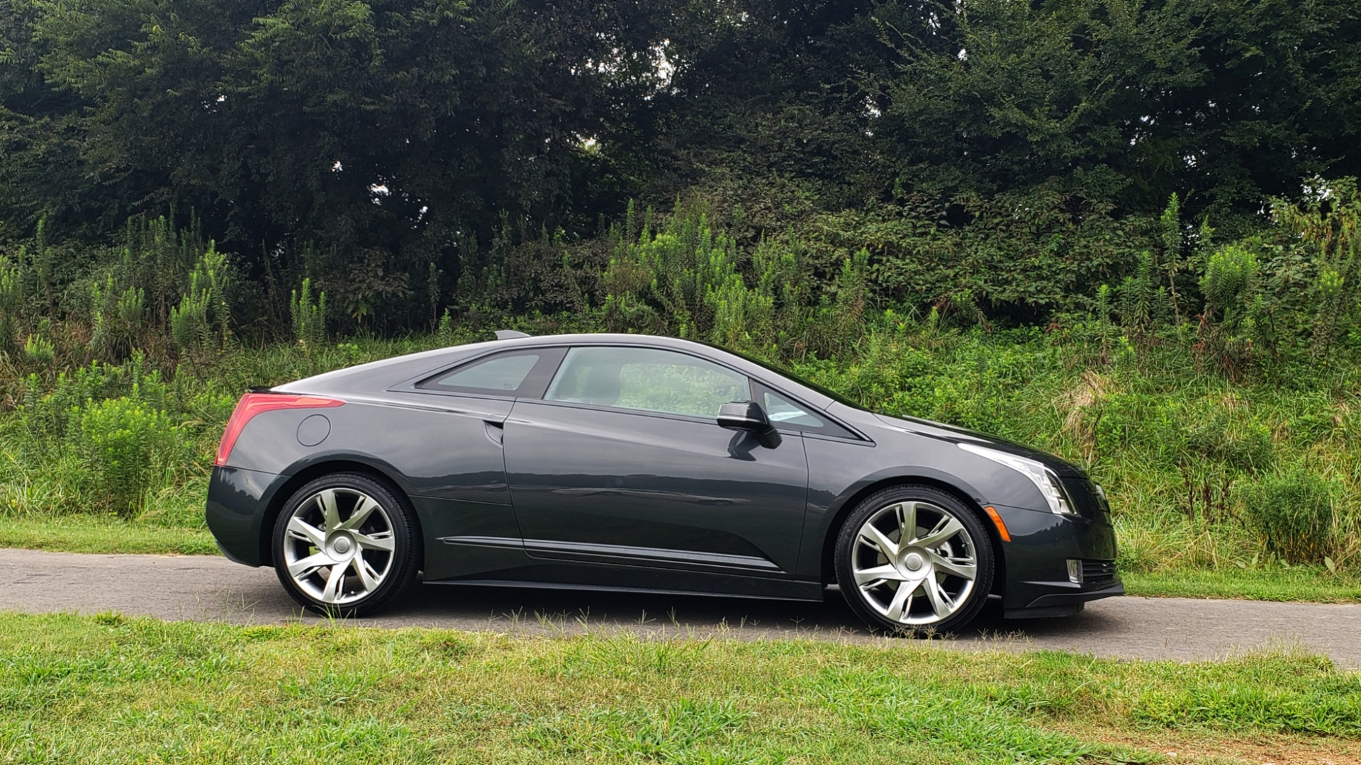 Used 2014 Cadillac ELR 2DR COUPE / HYBRID / NAV / BOSE / HEATED SEATS / REARVIEW for sale $34,000 at Formula Imports in Charlotte NC 28227 7