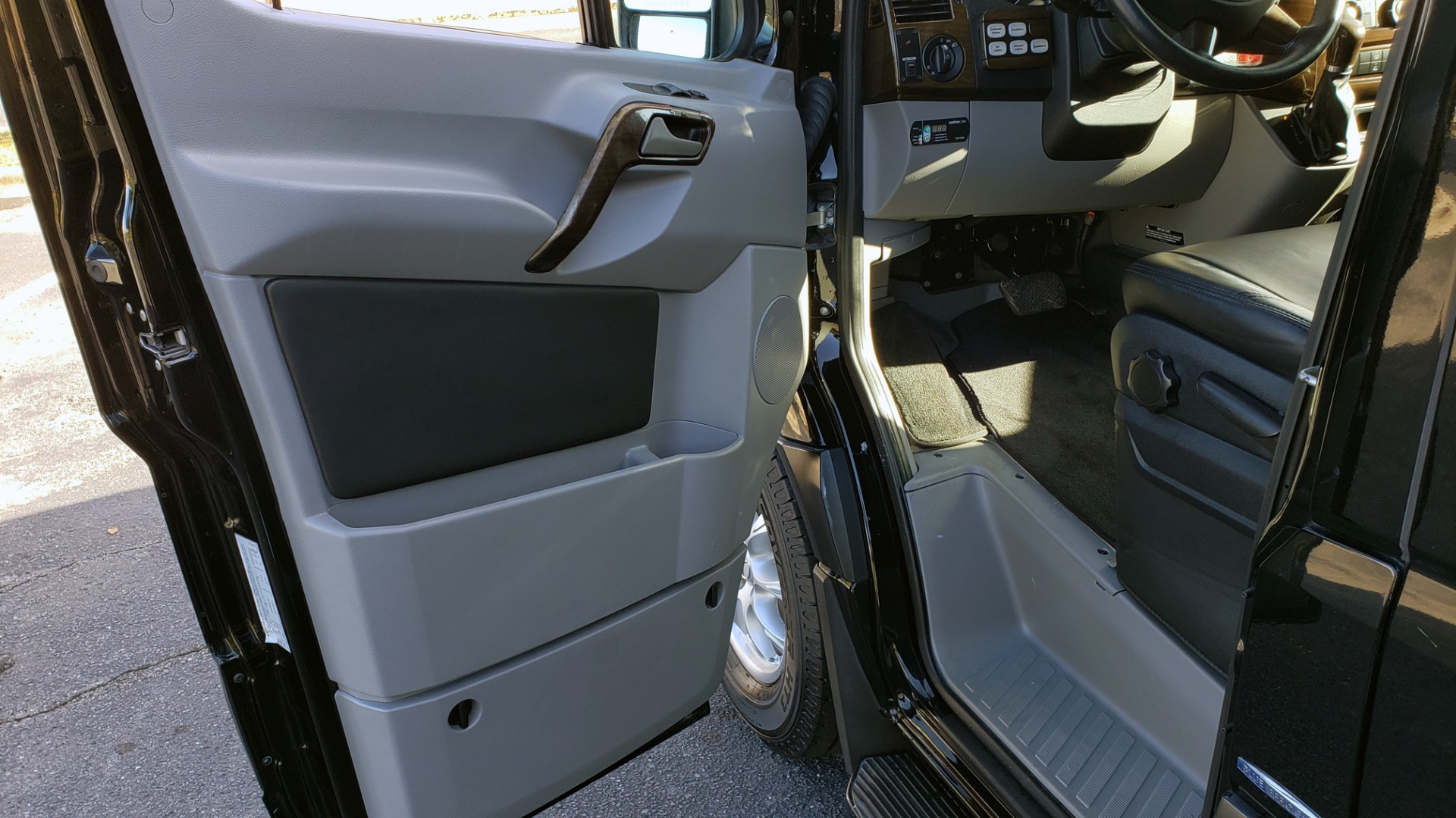 Used 2014 Mercedes-Benz SPRINTER JET VAN MIDWEST EXT for sale Sold at Formula Imports in Charlotte NC 28227 27