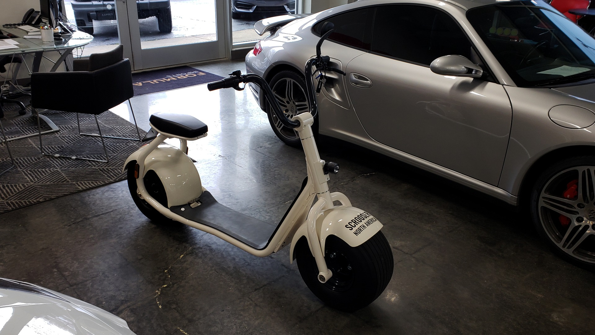 Used 2018 SCROOSER ELECTRIC SCOOTER SELF BALANCED / CUSTOM WHITE / 15.5 MPH / 34 MI RANGE for sale $1,699 at Formula Imports in Charlotte NC 28227 1