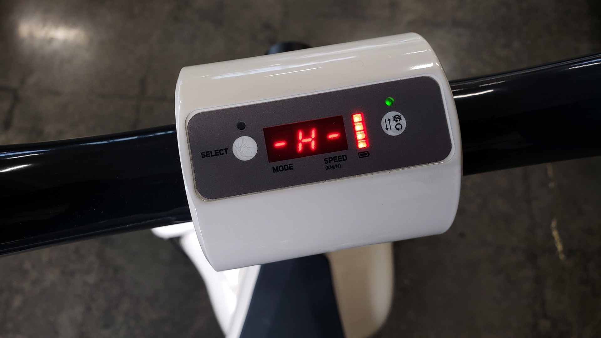 Used 2018 SCROOSER ELECTRIC SCOOTER SELF BALANCED / WHITE / 15.5 MPH / 34 MI RANGE for sale Sold at Formula Imports in Charlotte NC 28227 16