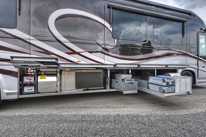 Used 2017 NEWELL 45' COACH QUAD-SLIDE OUT / 2020P PORSCHE DESIGN ADVANCED STYLING for sale Sold at Formula Imports in Charlotte NC 28227 14