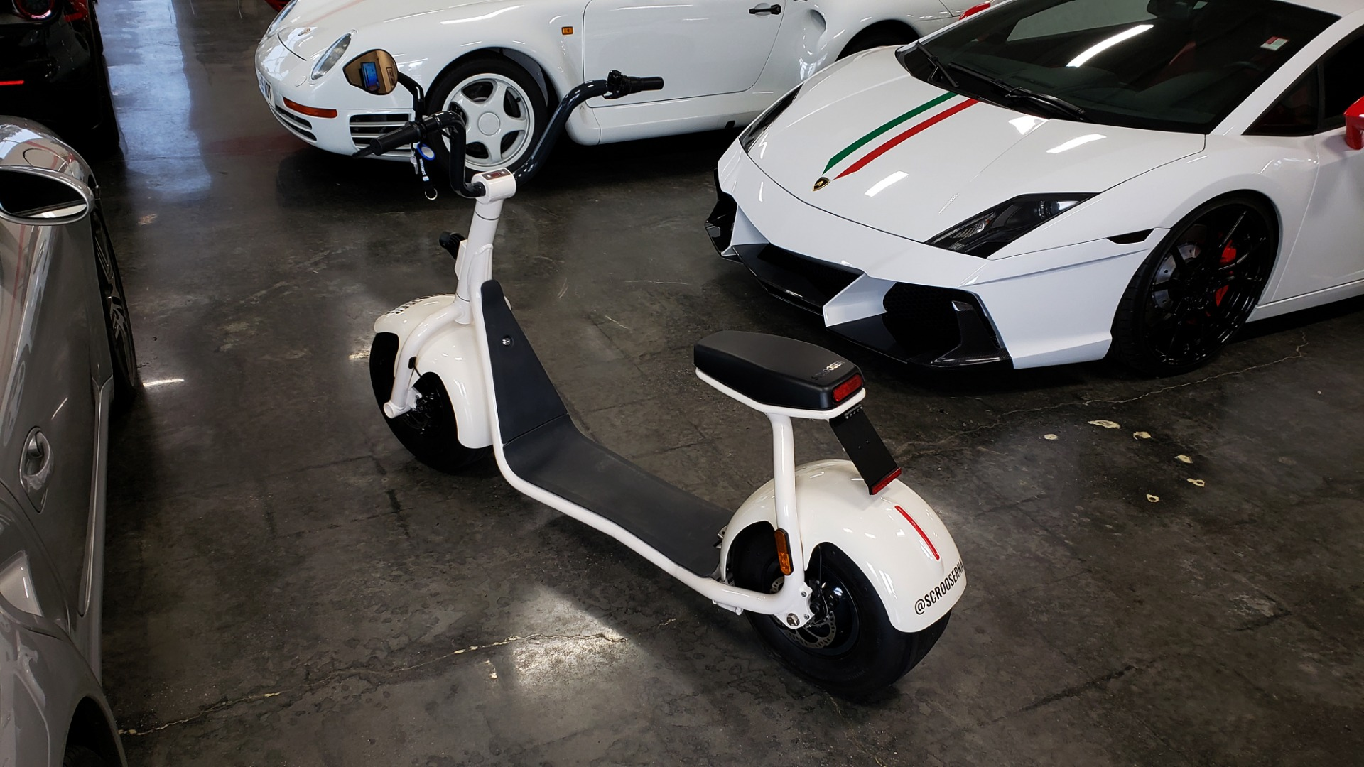 Used 2018 SCROOSER ELECTRIC SCOOTER SELF BALANCED / CUSTOM WHITE / 15.5 MPH / 34 MI RANGE for sale $1,799 at Formula Imports in Charlotte NC 28227 5