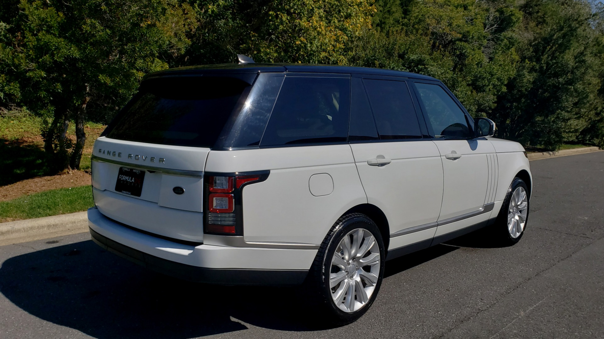 Used 2017 Land Rover RANGE ROVER SE / 4WD / SC V6 / NAV / DRIVE PKG / PANO-ROOF / REARVIEW for sale Sold at Formula Imports in Charlotte NC 28227 2