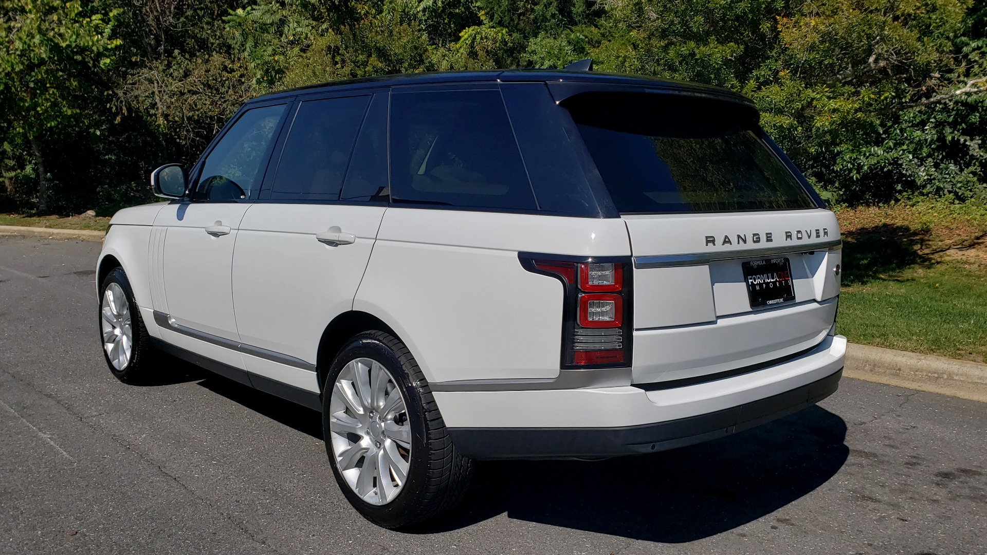 Used 2017 Land Rover RANGE ROVER SE / 4WD / SC V6 / NAV / DRIVE PKG / PANO-ROOF / REARVIEW for sale Sold at Formula Imports in Charlotte NC 28227 5