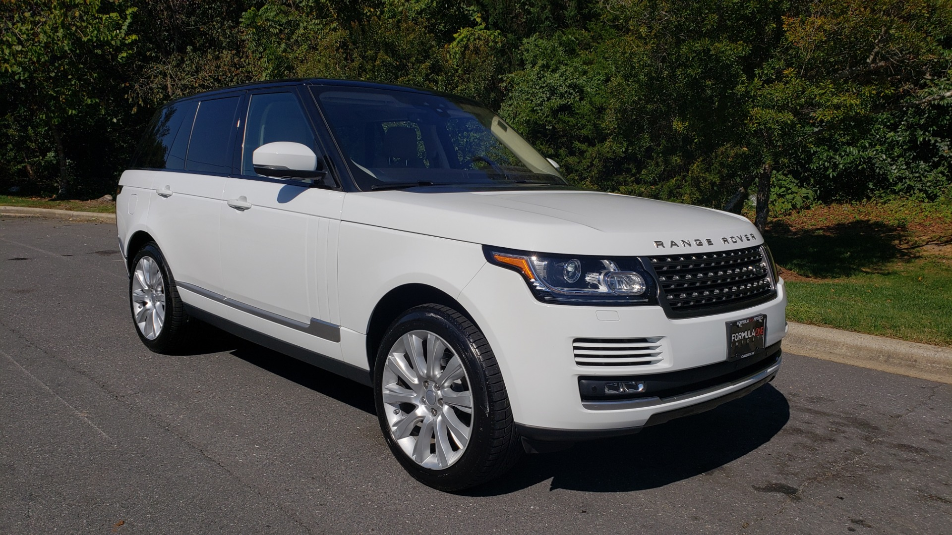 Used 2017 Land Rover RANGE ROVER SE / 4WD / SC V6 / NAV / DRIVE PKG / PANO-ROOF / REARVIEW for sale Sold at Formula Imports in Charlotte NC 28227 6