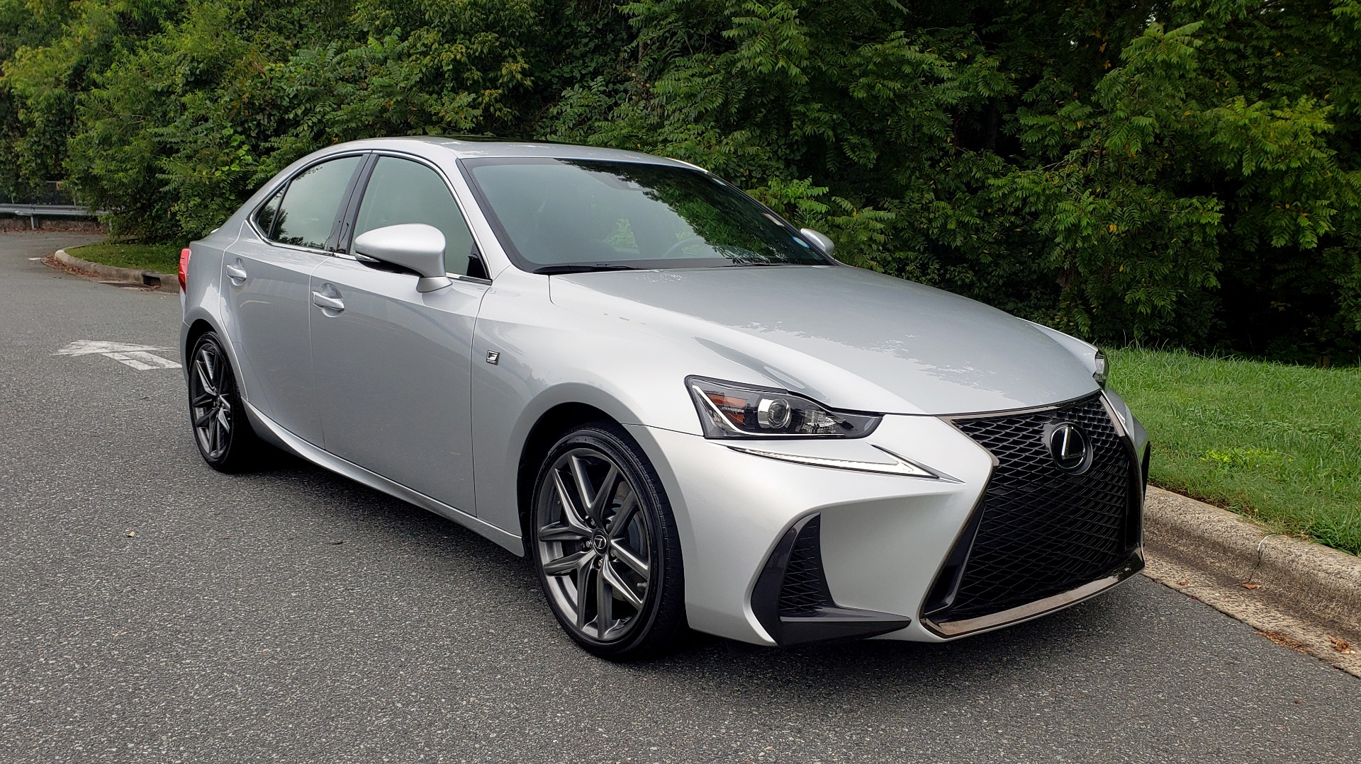 Used 2017 Lexus IS 200T F-SPORT / LEATHER / SUNROOF / 18IN WHEELS / REARVIEW for sale Sold at Formula Imports in Charlotte NC 28227 5