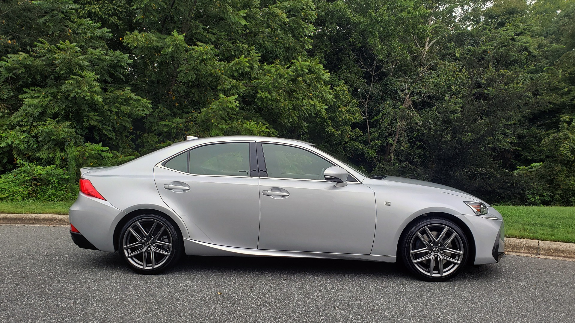 Used 2017 Lexus IS 200T F-SPORT / LEATHER / SUNROOF / 18IN WHEELS / REARVIEW for sale Sold at Formula Imports in Charlotte NC 28227 6