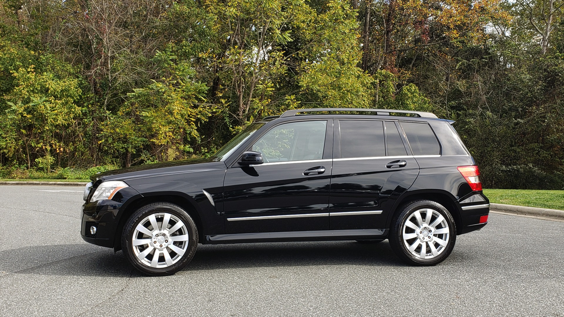 Used 2012 Mercedes-Benz GLK-CLASS GLK 350 4MATIC / PREM PKG / SUNROOF / KEYLESS-GO / NAV / REARVIEW for sale Sold at Formula Imports in Charlotte NC 28227 2