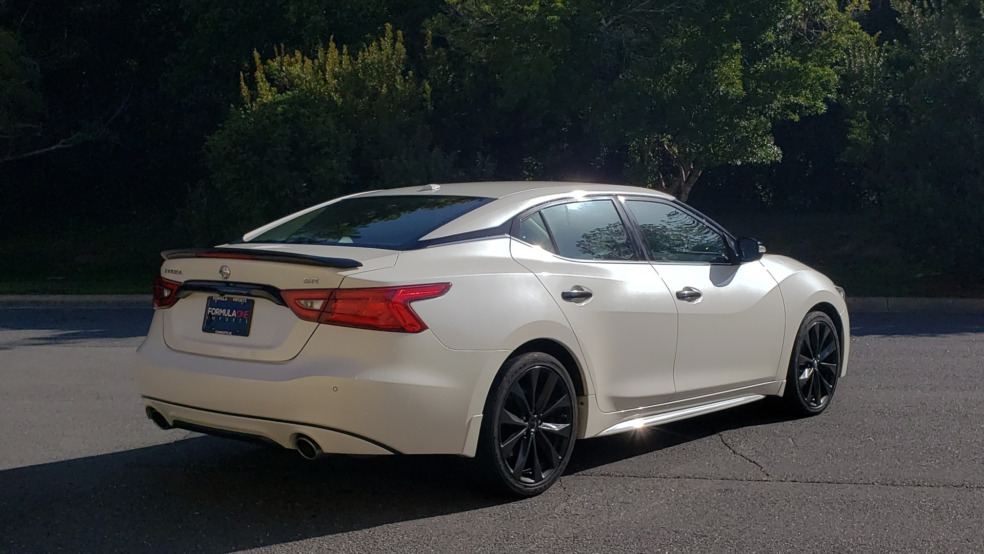 Used 2016 Nissan MAXIMA 3.5 SR / NAV / BOSE / VENT STS / CVT / REARVIEW for sale Sold at Formula Imports in Charlotte NC 28227 10