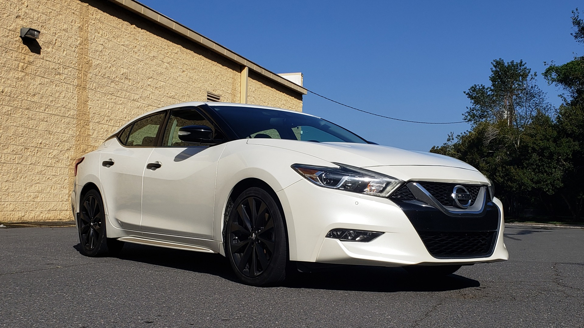 Used 2016 Nissan MAXIMA 3.5 SR / NAV / BOSE / VENT STS / CVT / REARVIEW for sale Sold at Formula Imports in Charlotte NC 28227 12