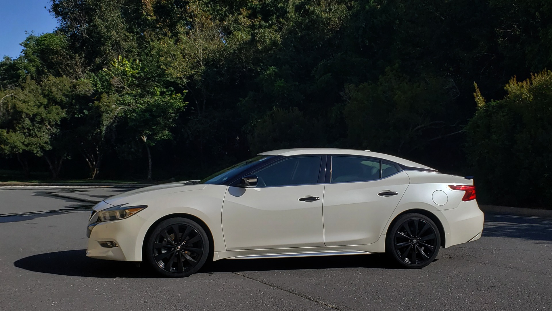 Used 2016 Nissan MAXIMA 3.5 SR / NAV / BOSE / VENT STS / CVT / REARVIEW for sale Sold at Formula Imports in Charlotte NC 28227 2