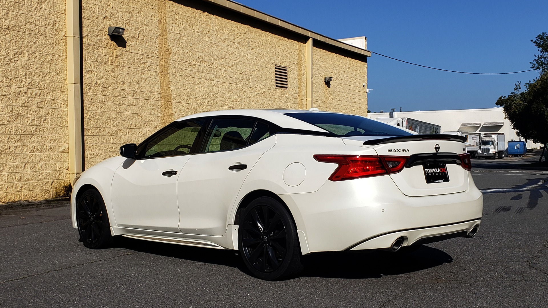Used 2016 Nissan MAXIMA 3.5 SR / NAV / BOSE / VENT STS / CVT / REARVIEW for sale Sold at Formula Imports in Charlotte NC 28227 3