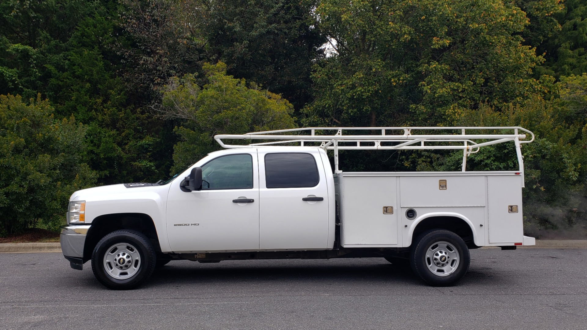 Used 2013 Chevrolet SILVERADO 2500HD WORK TRUCK 4WD / 6.0L V8 / AUTO / TOOL BOX / CLEAN for sale Sold at Formula Imports in Charlotte NC 28227 2