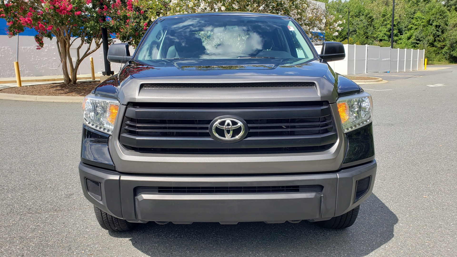 Used 2017 Toyota TUNDRA 4WD SR DOUBLECAB / 4WD / 6.5' BED / V8 / AUTO / REARVIEW for sale Sold at Formula Imports in Charlotte NC 28227 14
