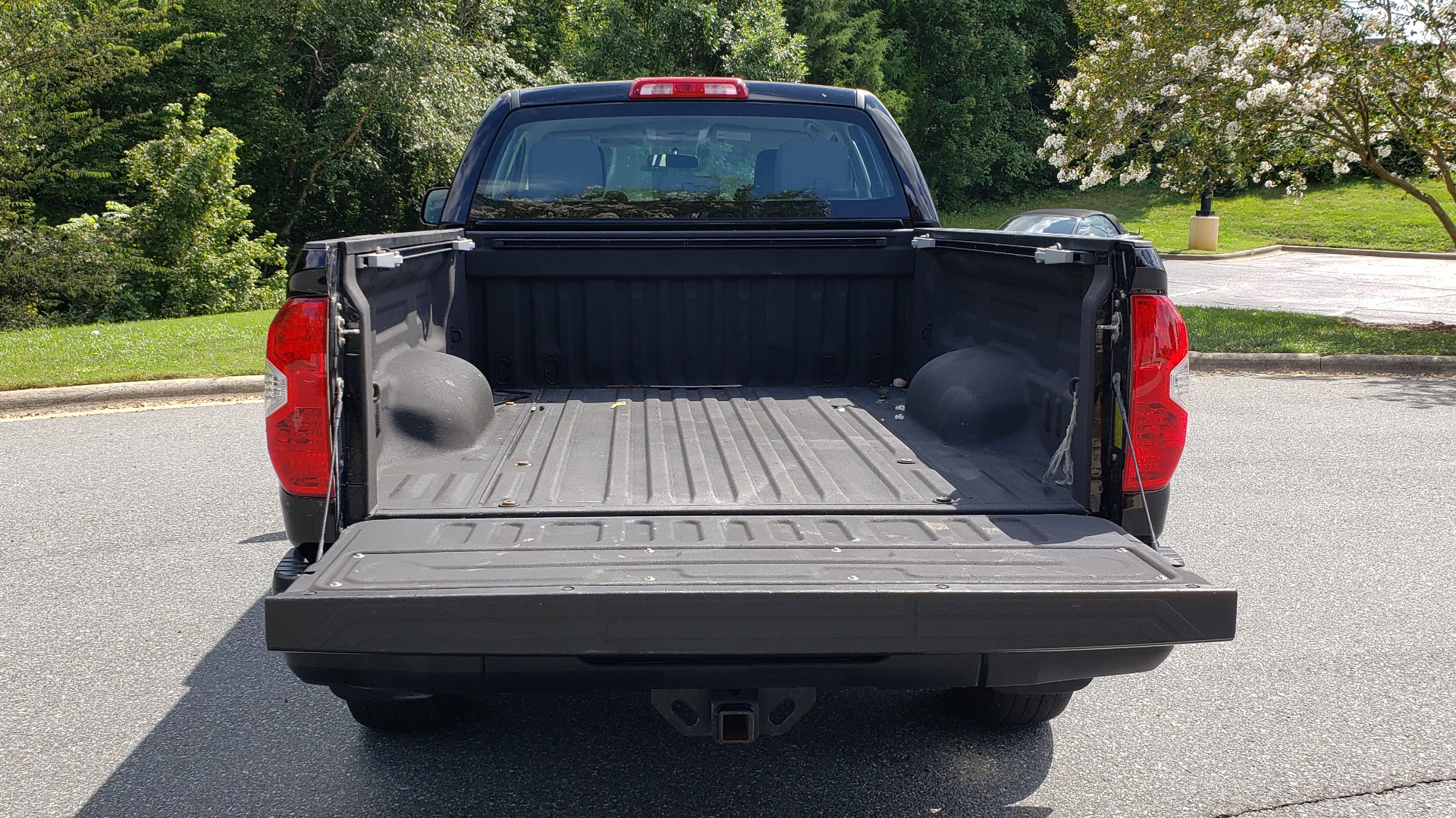 Used 2017 Toyota TUNDRA SR DOUBLECAB / 4WD / 6.5 BED / V8 / AUTO / REARVIEW for sale $33,995 at Formula Imports in Charlotte NC 28227 20
