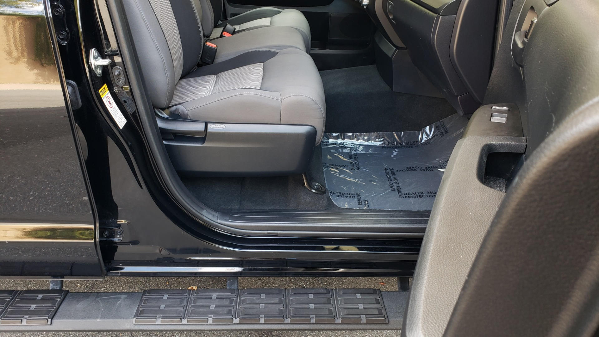 Used 2017 Toyota TUNDRA 4WD SR DOUBLECAB / 4WD / 6.5' BED / V8 / AUTO / REARVIEW for sale Sold at Formula Imports in Charlotte NC 28227 59